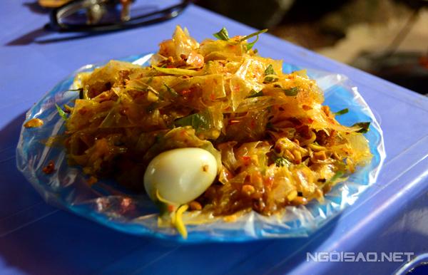 Banh trang tron - Saigon food