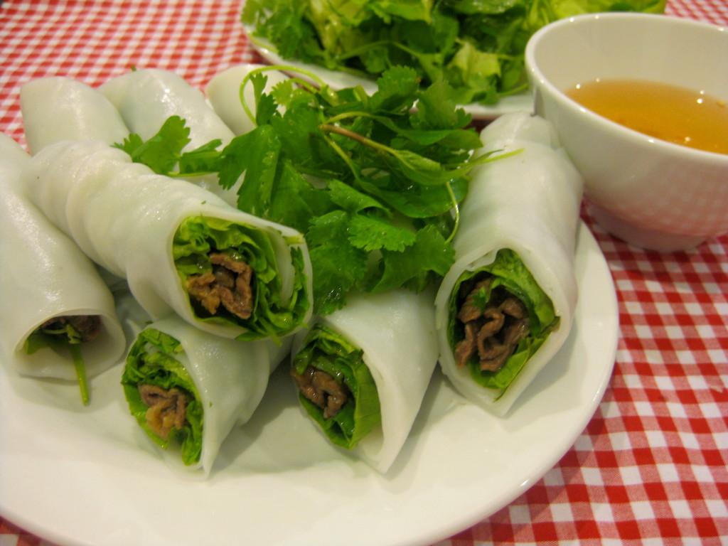 pho-cuon-vietnamese-rolling-pho-recipe